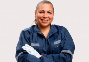 """Últimos días para inscribirse en el taller """"Mujeres Gasfiter en tu Barrio"""" de Esval"""