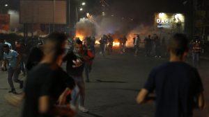 La ola de violencia intercomunitaria en Israel ya suma 374 detenidas y 36 policías heridos