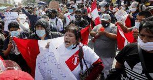 Con Castillo primero y casi acabado el escrutinio, fujimoristas salen a las calles de Lima